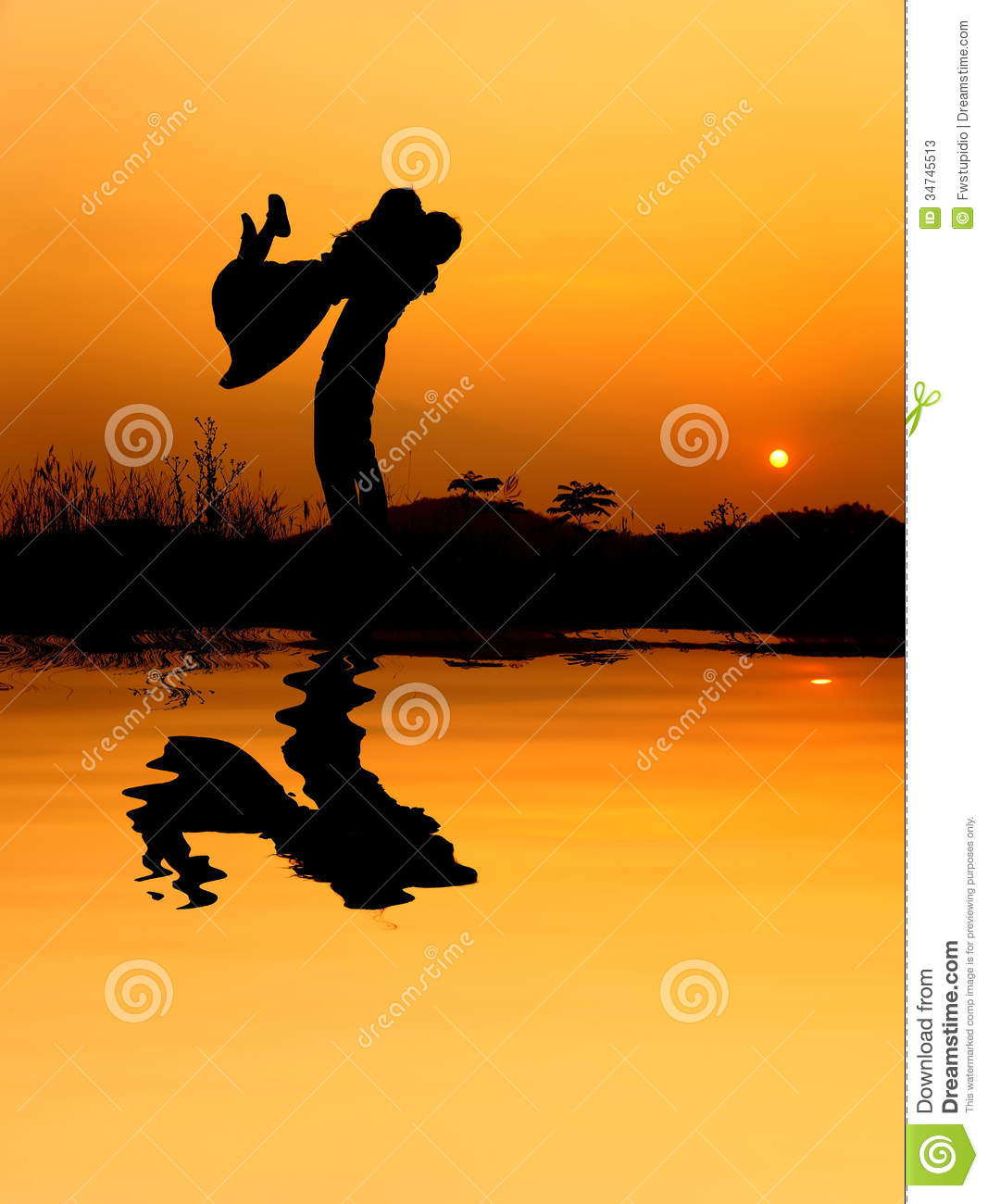 Kissing Girl And Boy Wallpaper Reflection Of Man And Woman Love Silhouette In Sunset