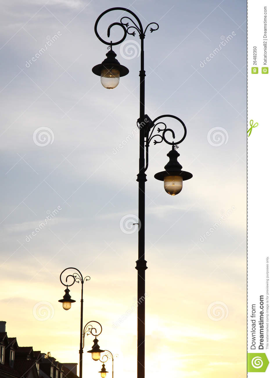 Lampadaire Exterieur Urbain Retro Styled Lamppost On The Street Stock Photo Image Of Figure