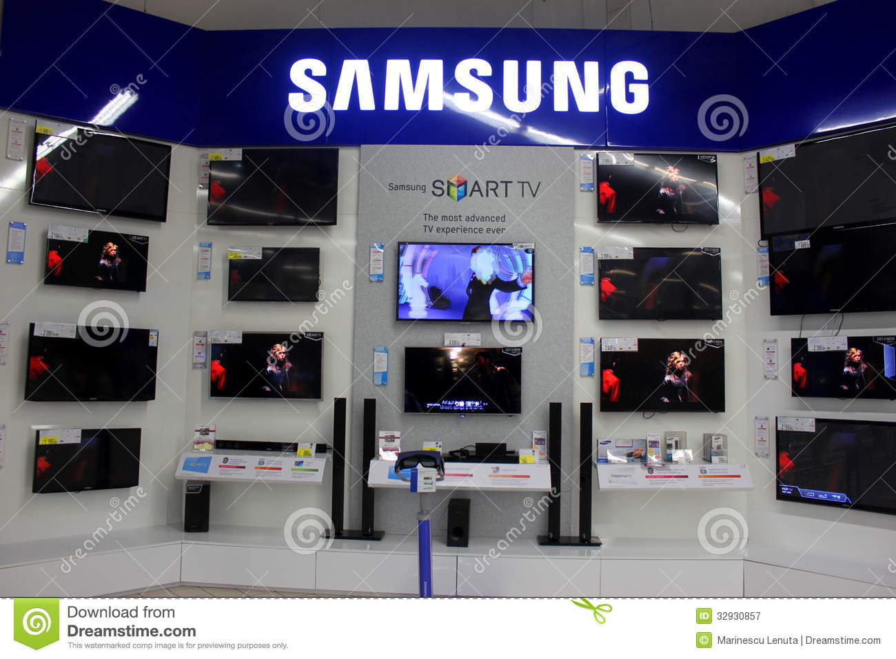 Tv Store Samsung Smart Tvs Editorial Photography Image Of Crystal