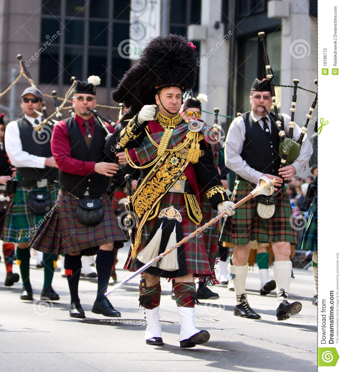 Scottish Bagpipe Band Editorial Photography Image 19186772