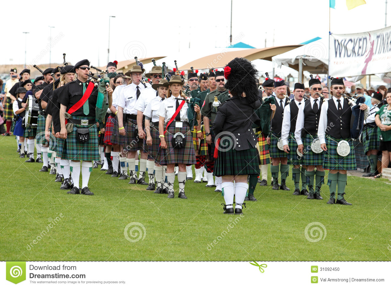 Bagpipe Bands Playing Related Keywords Bagpipe Bands