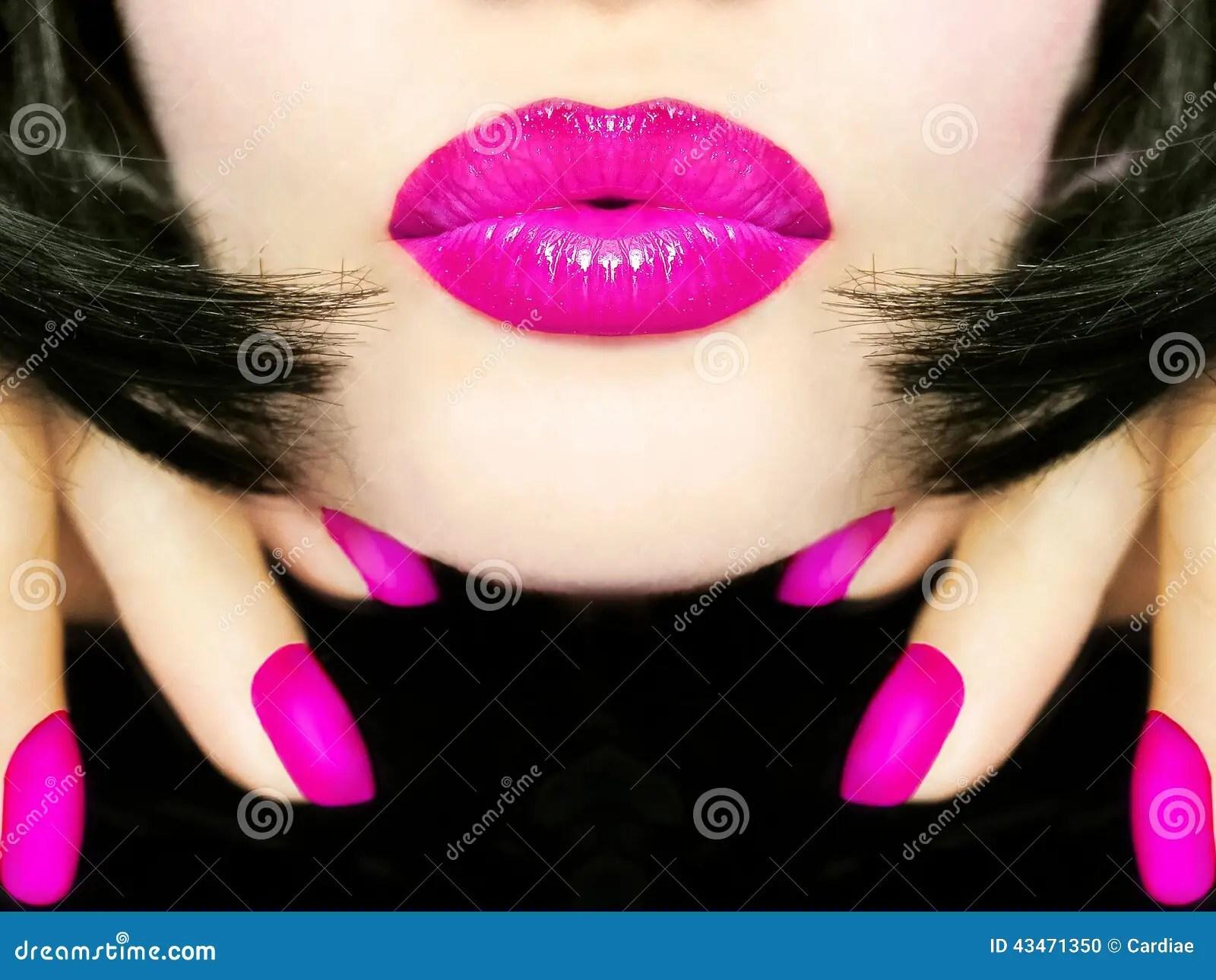 Cute Nail Arts Wallpaper Sexy Pretty Woman With Black Hair Pink Lips Sending Kiss