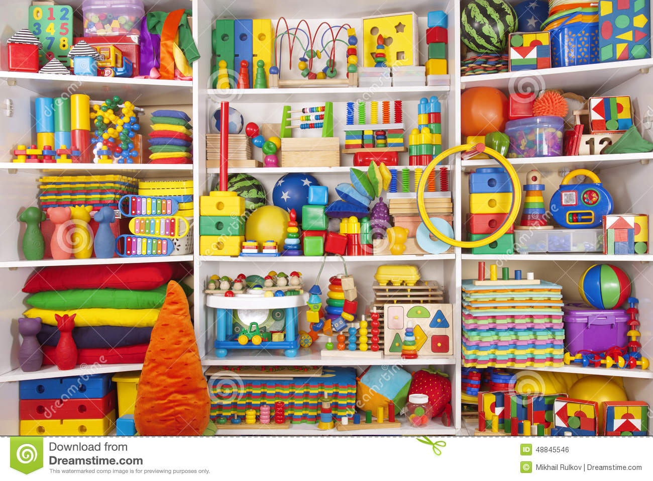 Meuble De Rangement Jouet Shelf With Toys Stock Photo - Image: 48845546