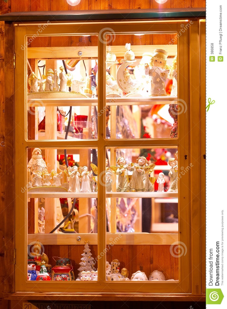 Shop Window With Christmas Decoration Fenster Mit Weihnachtlicher Dekoration Stock Photo Image Of Weihnachten Christkindlmarkt 386858
