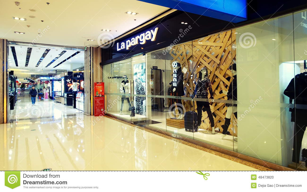 Moderne Stores Shopping Center Shop Window Editorial Image Image 48473820