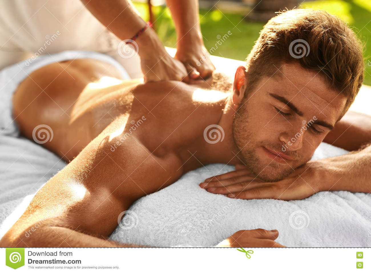 Where Can I Get Full Body Massage Spa Body Massage Man Enjoying Relaxing Back Massage Outdoors
