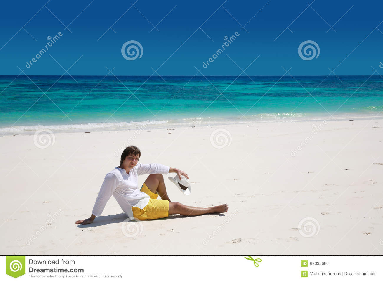 Summer Casual Geflecht Relax-sessel Summer Relax Successful Handsome Man Resting On Exotic