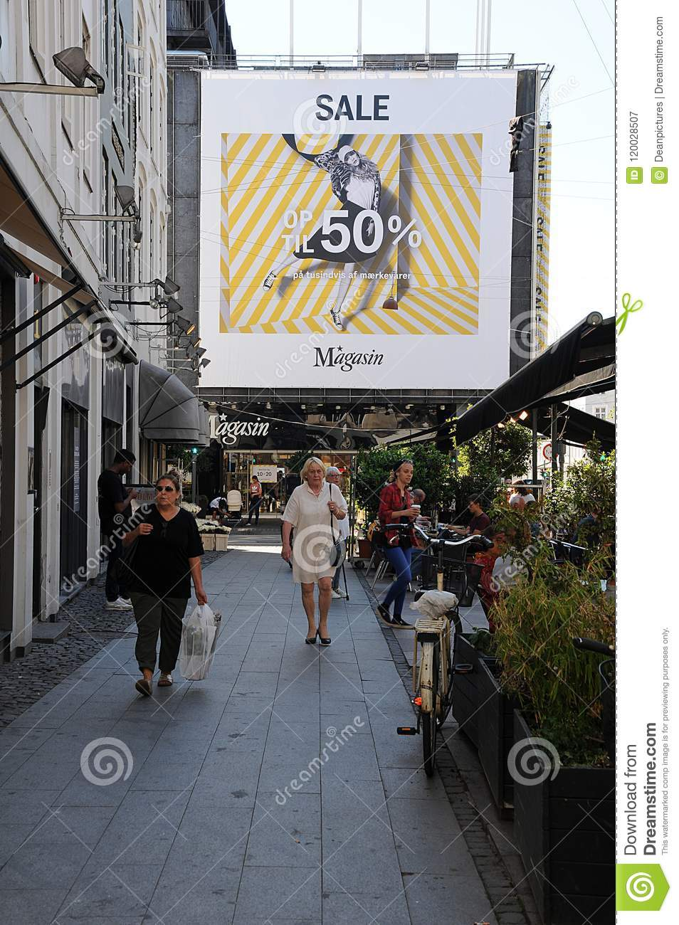 Store Banne Magasin 50 Summer Sale At Magasin Du Nord Department Store Editorial