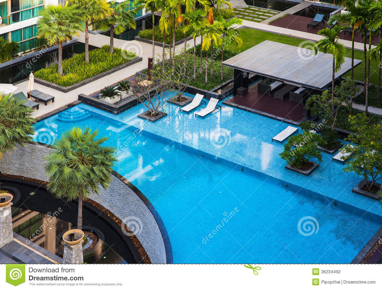 Mr Gardener Pool Reinigungsset Standard Swimming Pool With Beautiful Landscape Stock Photography