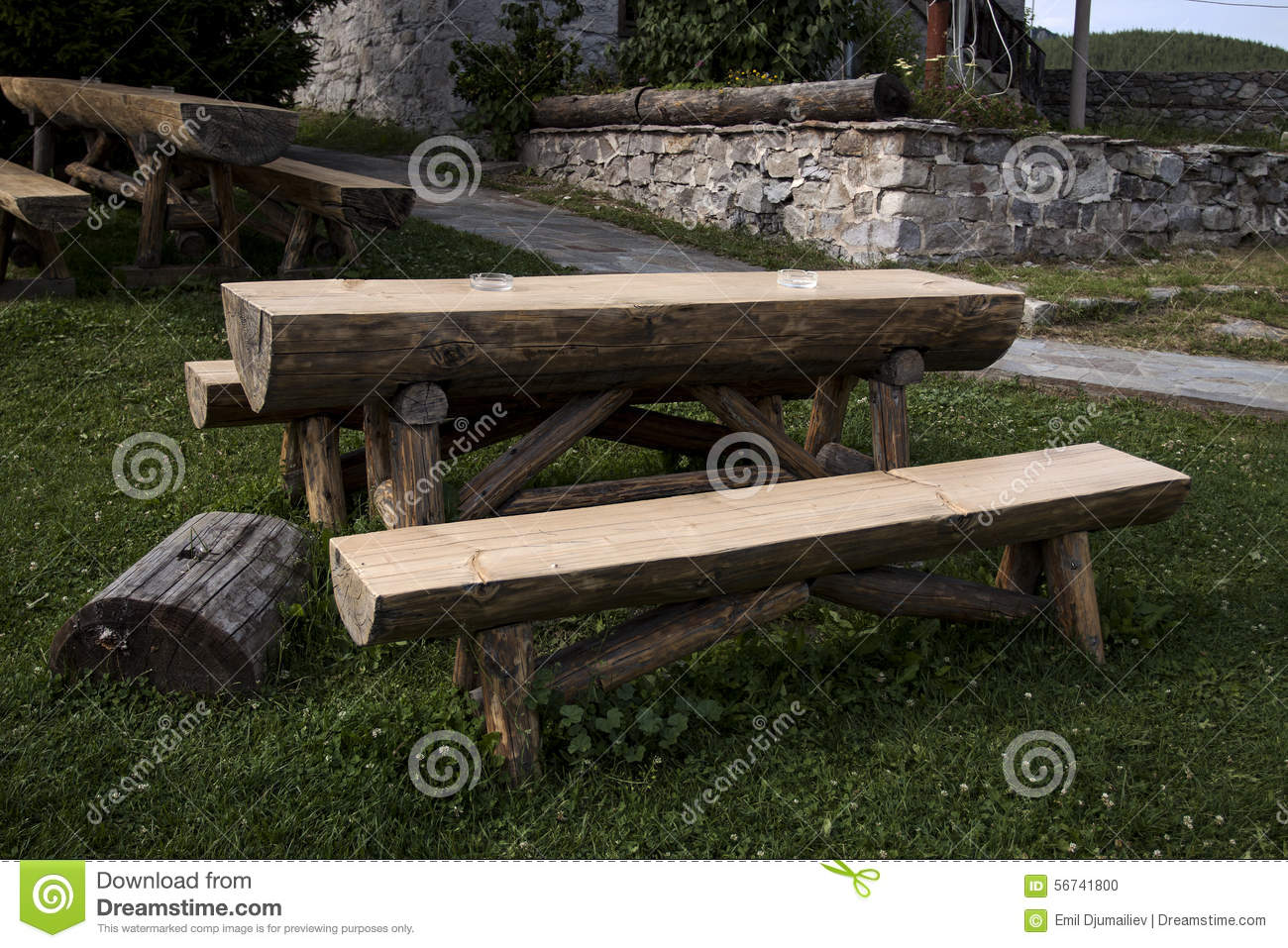 Table Et Banc Table Et Banc En Bois De Jardin Photo Stock Image 56741800