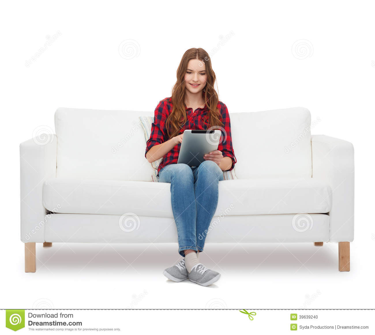 Bettsofa Jugend Teenage Girl Sitting On Sofa With Tablet Pc Stock Photo Image Of