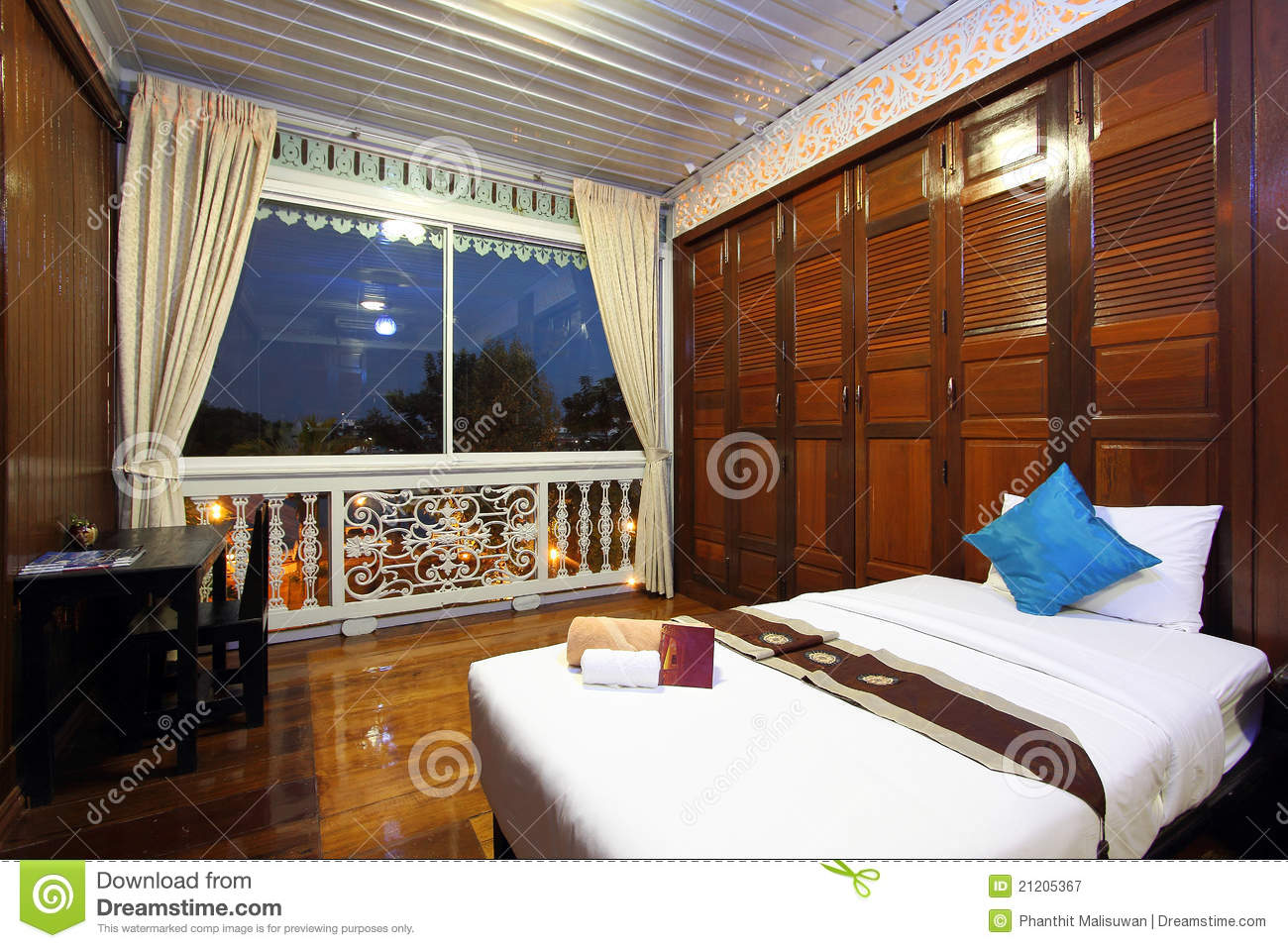 Slaapkamer Stijl Thai Style Tropical Hotel Bedroom Stock Image - Image