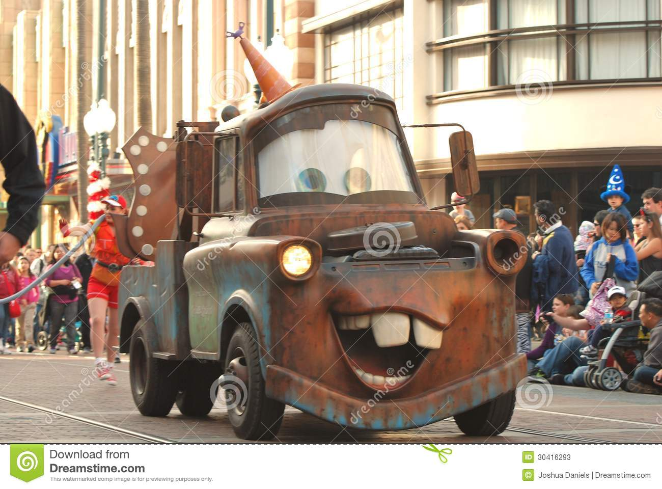 Old Car Wallpaper Download Tow Mater From The Pixar Movie Cars In A Parade At