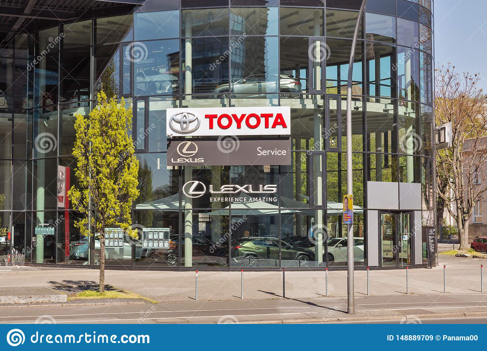 Toyota Lexus Car Showroom Exterior In Berlin Germany Editorial Stock Image Image Of Fuel Entrance 148889709