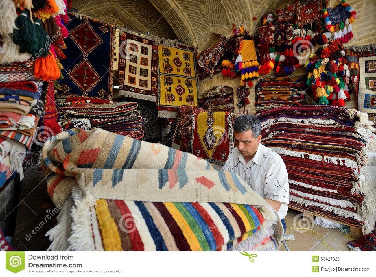 Shiraz Perzisch Tapijt Traditional Iranian Carpets In A Market Iran Editorial