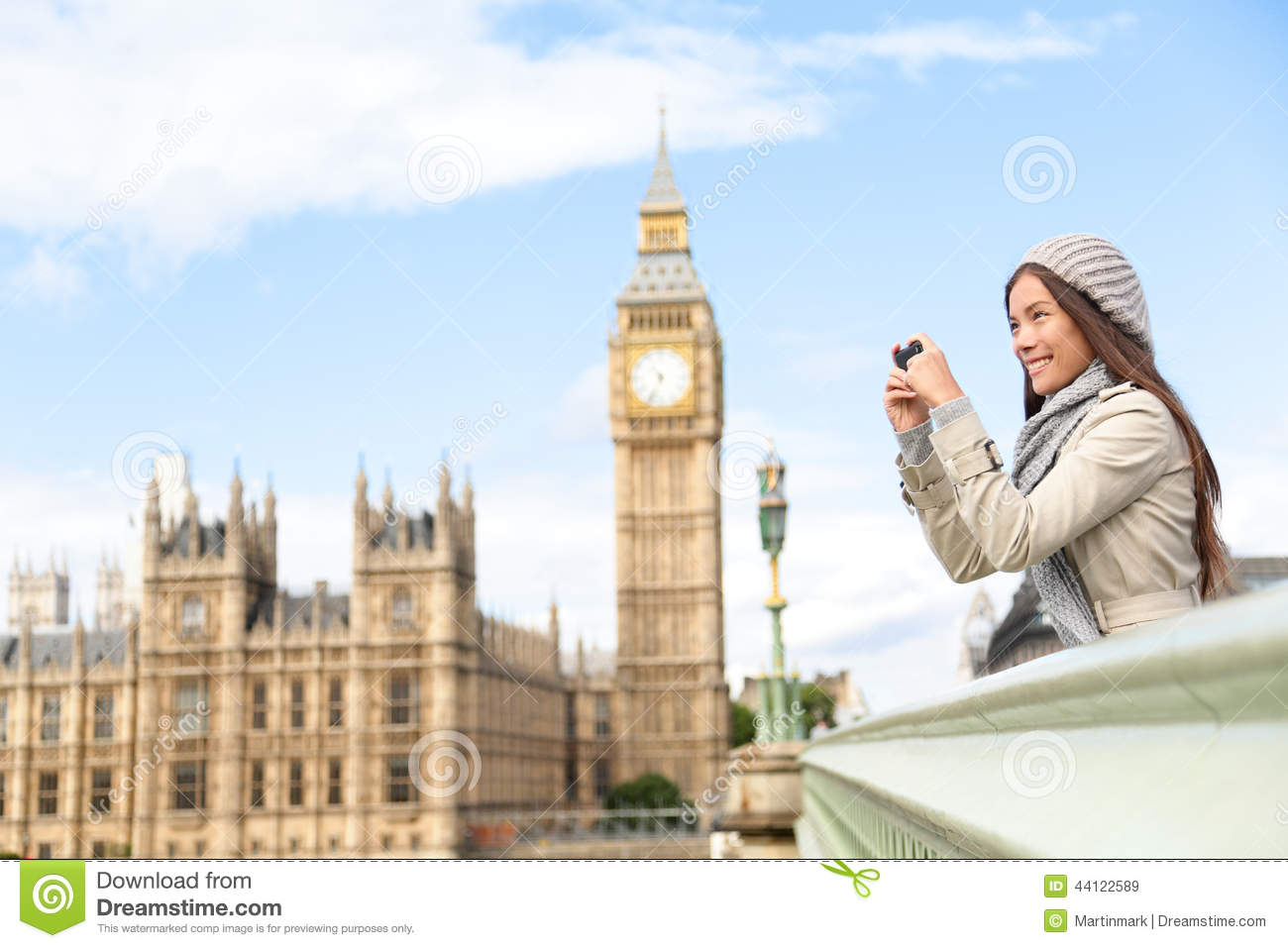 Fall Wallpaper For Cell Phone Travel Tourist In London Sightseeing Taking Photos Stock
