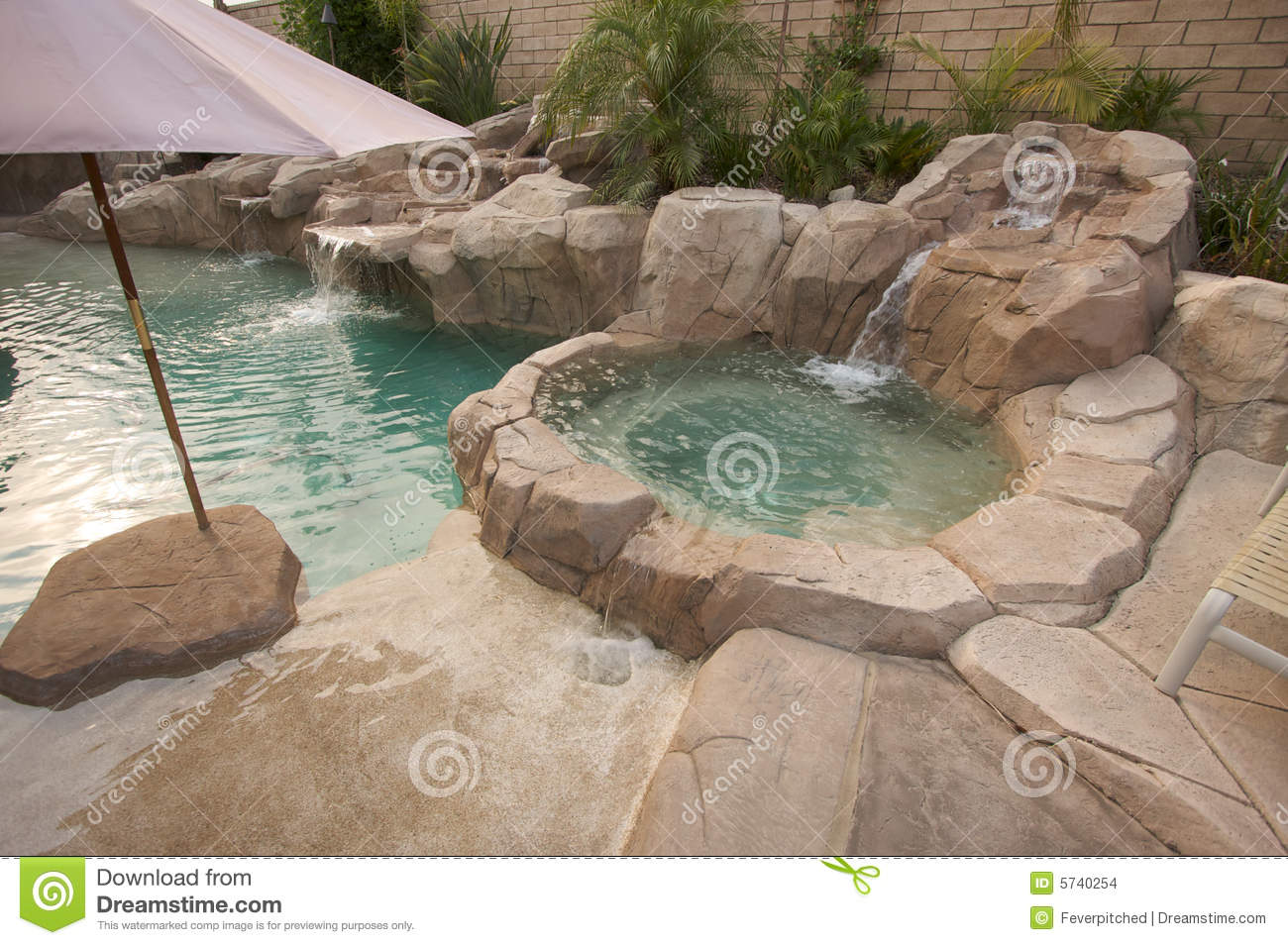Pool Gestaltungsideen Tropical Custom Pool And Jacuzzi Stock Photo Image Of