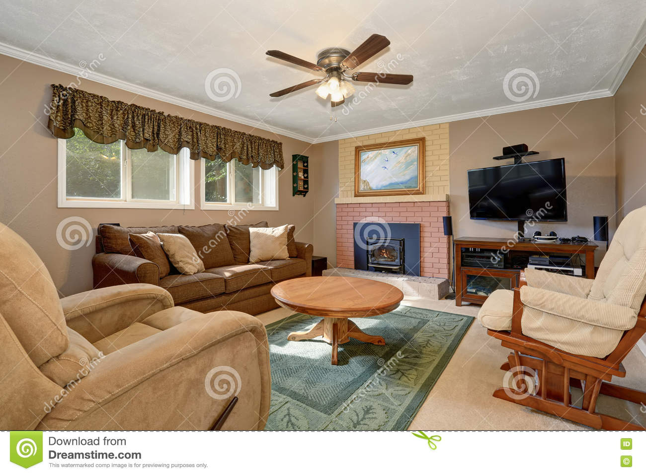 American Wohnzimmer Typical American Living Room With Brown Couch And
