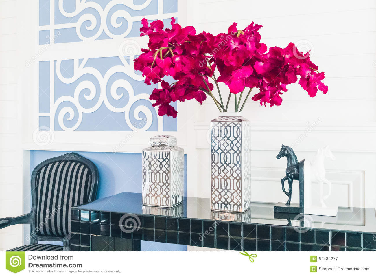 Vase Decoration Interieur Vase Flower Decoration Interior Of Living Room Stock Image