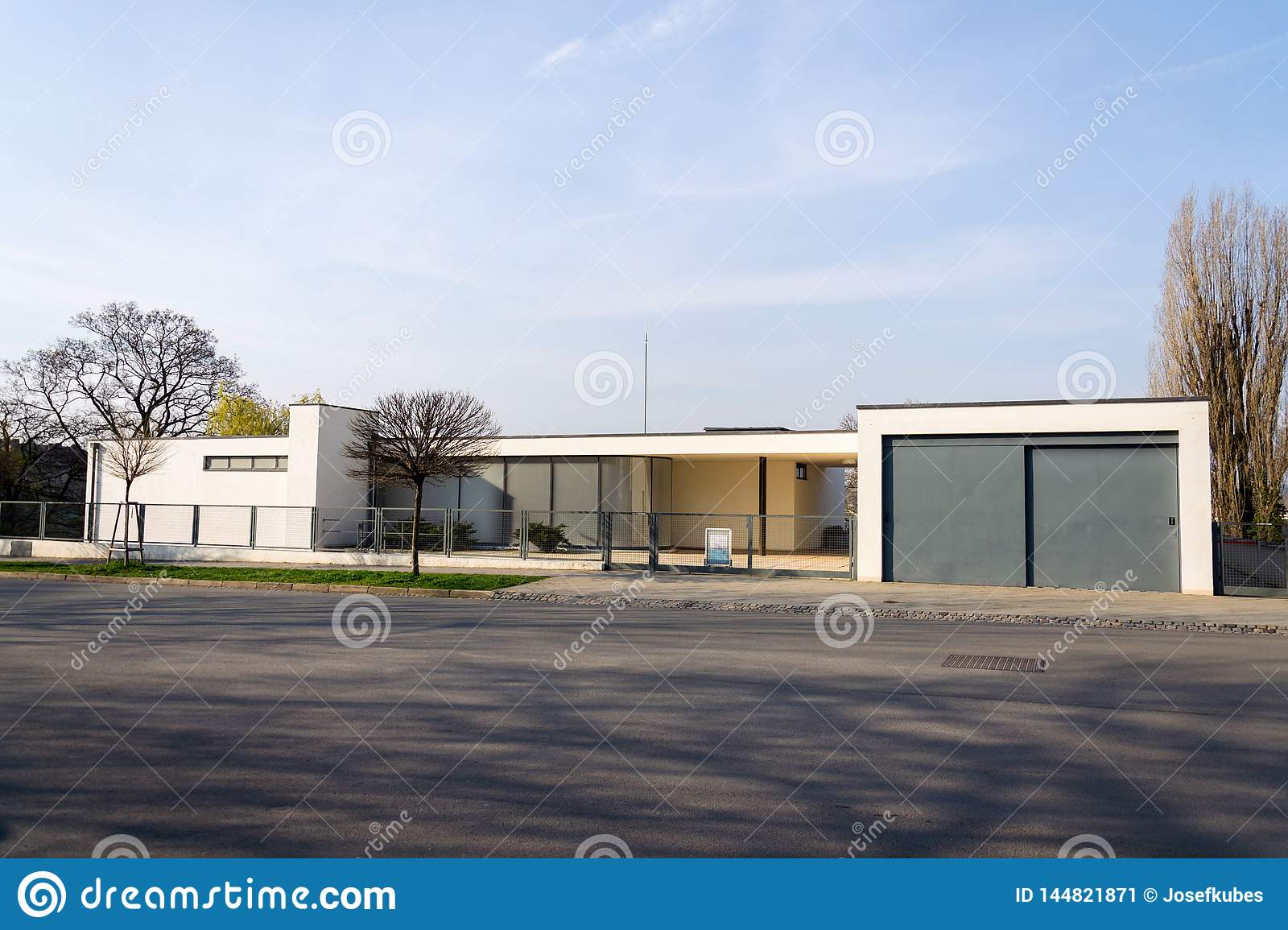 Villa Tugendhat Villa Tugendhat By Architect Ludwig Mies Van Der Rohe Built In