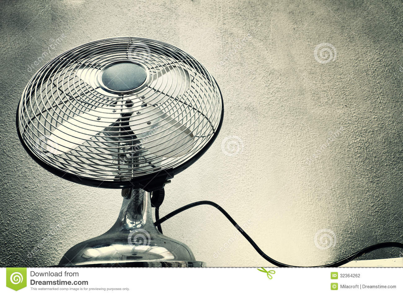 Vintage Looking Fans Vintage Steel Fan Stock Photography Image 32364262