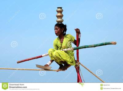 Wandering Indian Tightrope Walker Editorial Image - Image of extreme, balance: 38443745