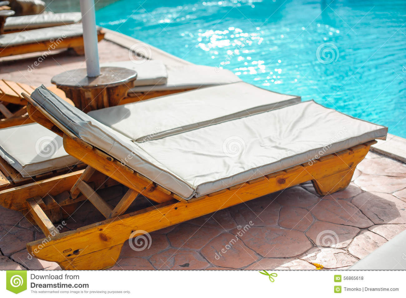 Zwembad Bed Wooden Bed Beside The Pool Stock Photo Image 56865618