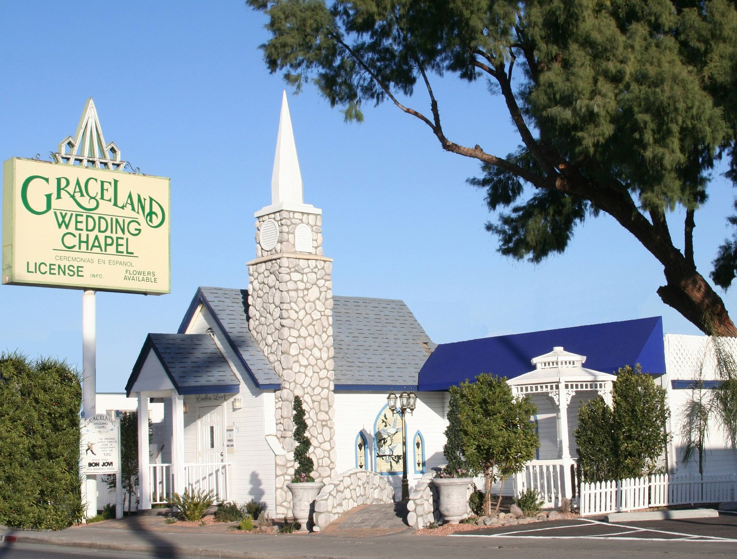 vegas wedding chapels Advertisement