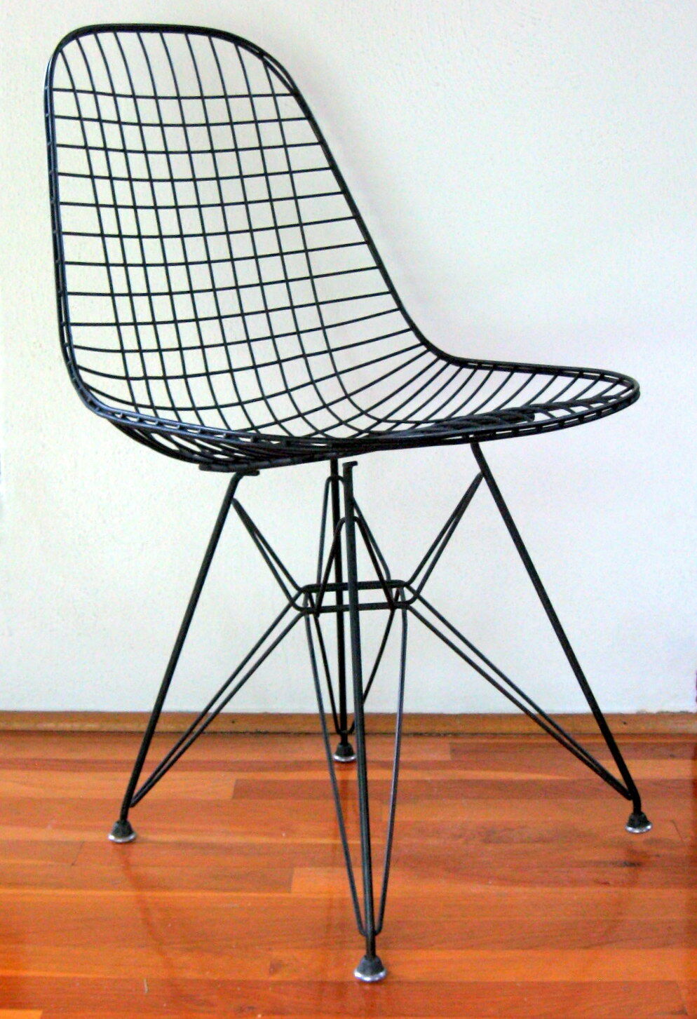 Eames Chair Herman Miller Ebay Herman Miller Chair Ebay Australia Eiffel Base Wire Side Chair Dkr