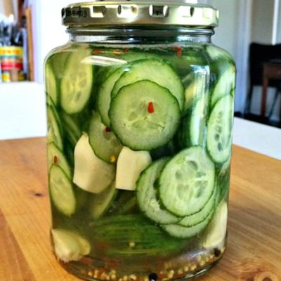 Spicy Garlic Quick Pickles