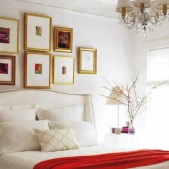 Personal Shopper Decoration When To Decorate Above The Bed