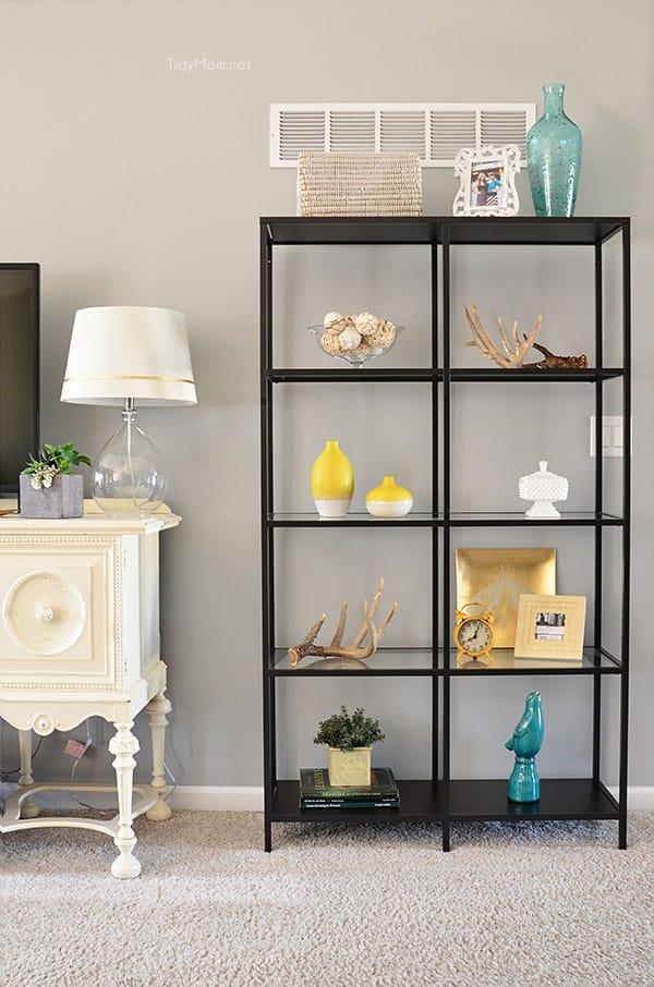 Project Replace the glass shelves in Ikeau0027s Vittsjo shelving unit - faire une chambre dans un salon