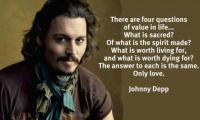 Johnny Depp | Tie scarves and shawls by celebs