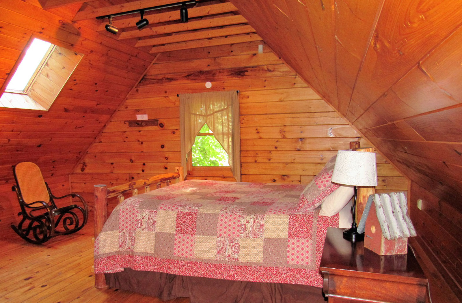 Bedroom Skylight Hocking Hills Cabin Rentals Slice Of Nature Cabin Rental