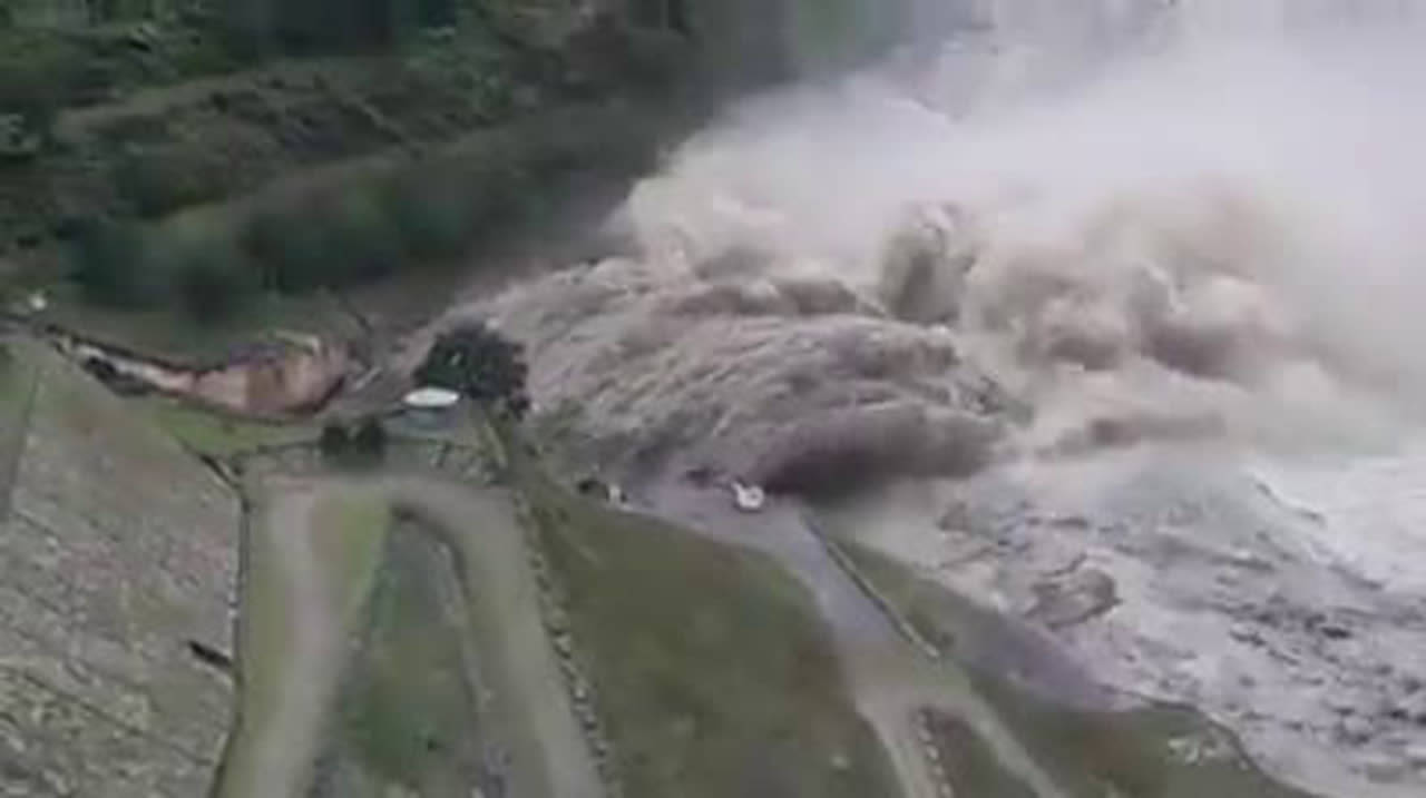 Indo Mandi Himachal Pradesh All Floodgates Of Pandoh Dam In Mandi District Have Been Opened