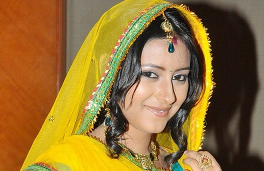 Pratyusha Banerjee death: For funeral, Balika Vadhu's Anandi was dressed as bride