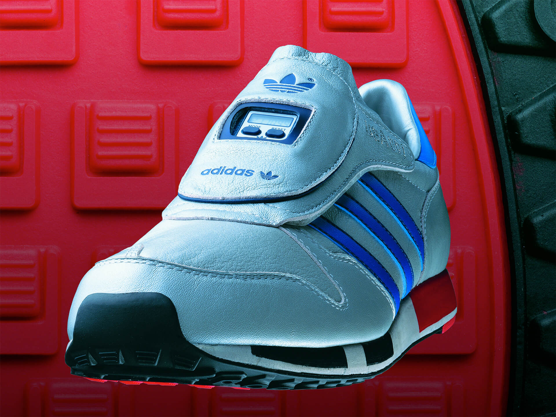 Adidas Micropacer 1920px 01