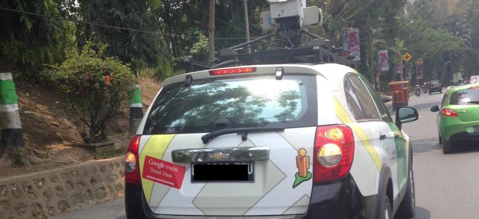 Mobil Google Street View di Samarinda tahun 2015 (foto: Th. A. Rusdi)