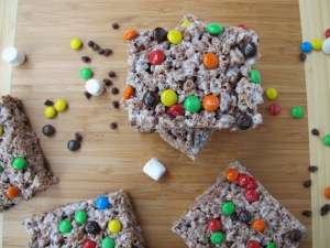 04Triple_Chocolate_Rice_Krispie_Treats_1024x768