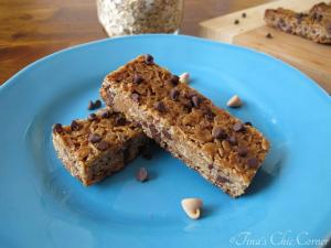 09Peanut Butter Chocolate Chip Granola Bars