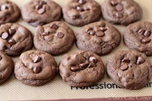 Double Chocolate Chunk Cookies01