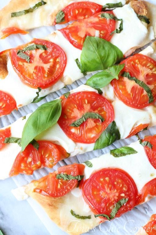 Margherita Naan Pizza06