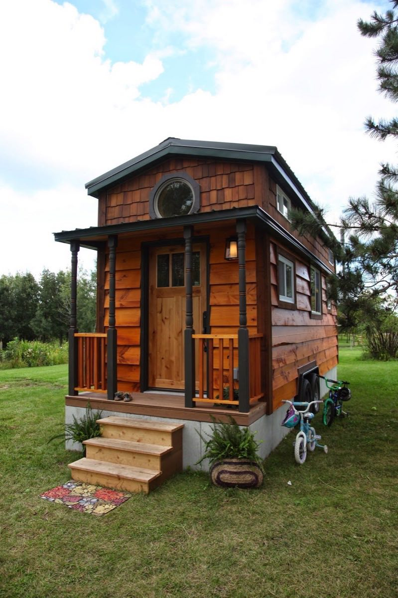 family of 4 living in 207 sq ft tiny house
