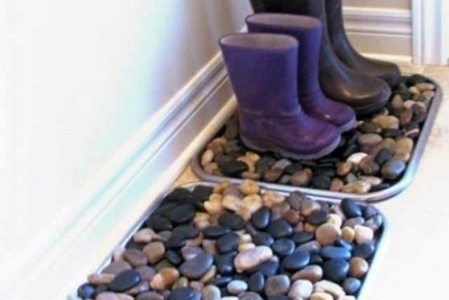 PebbleBootTray