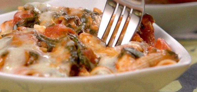 chicken tomato pasta bake featured image