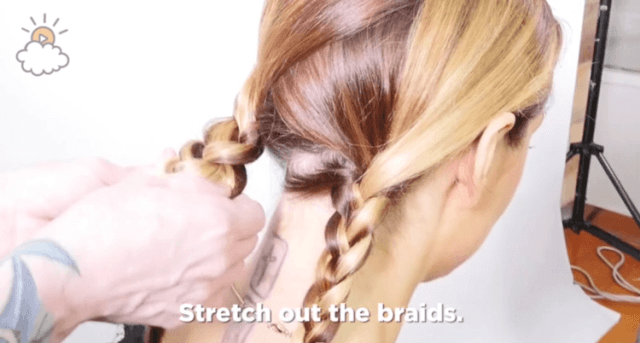 Stretching out the two braids of your Heidi braid