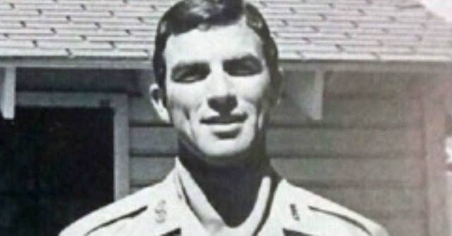 Tom Selleck was in Army before acting career