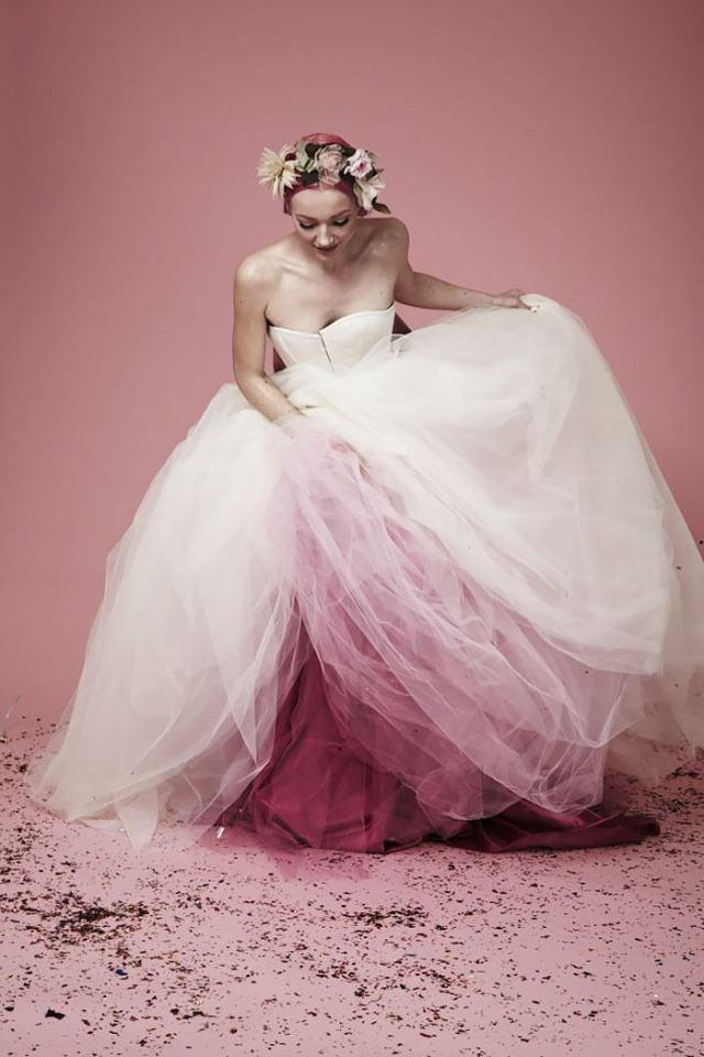 Rose dip-dyed wedding dress.