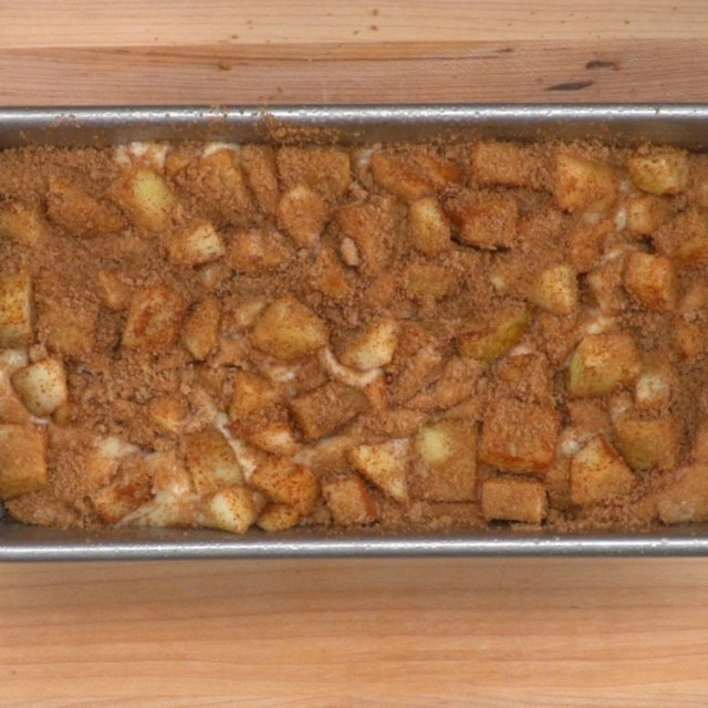 Layer batter, apples and brown sugar mixture