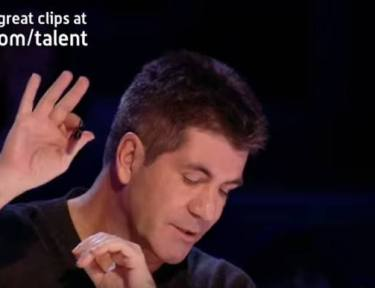 Simon interupts young teenage singer.